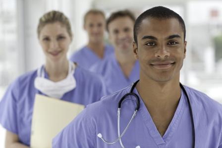 از دیدگاه بحث پزشکی و درمانی پرستار به کسی گفته می شود که دارای تحصیلات دانشگاهی دررشته پرستاری در مقاطع کاردانی کارشناسی، کارشناسی ارشد و دکترای  تخصصی باشد